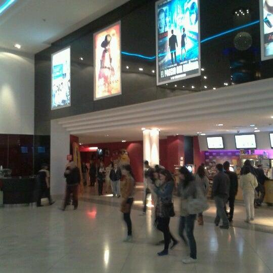 Foto tomada en Cine Hoyts por Ronald P. el 10/10/2011