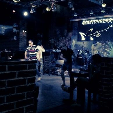 Снимок сделан в Glastonberry Pub пользователем Reactiv 6/25/2012