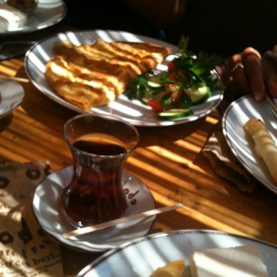 7/22/2012 tarihinde Başak Ş.ziyaretçi tarafından Dodo Cafe & Pub'de çekilen fotoğraf