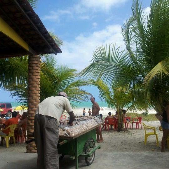 Foto tirada no(a) Praia de Paripueira por Gustavo A. em 1/7/2012