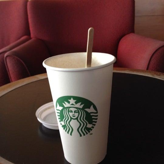 Photo taken at Starbucks by Oscar A. on 4/3/2012