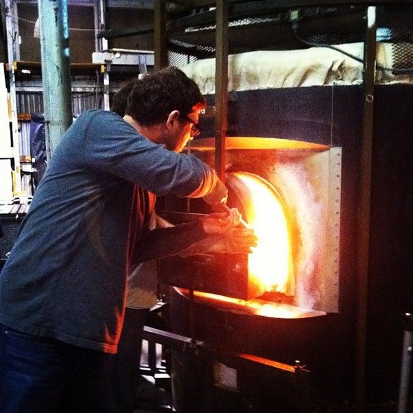8/10/2012 tarihinde Stephanie H.ziyaretçi tarafından Public Glass'de çekilen fotoğraf