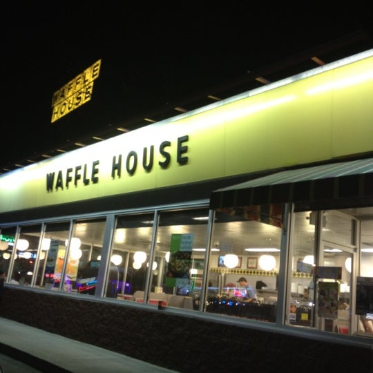 Photo taken at Waffle House by Andre M. on 3/30/2012