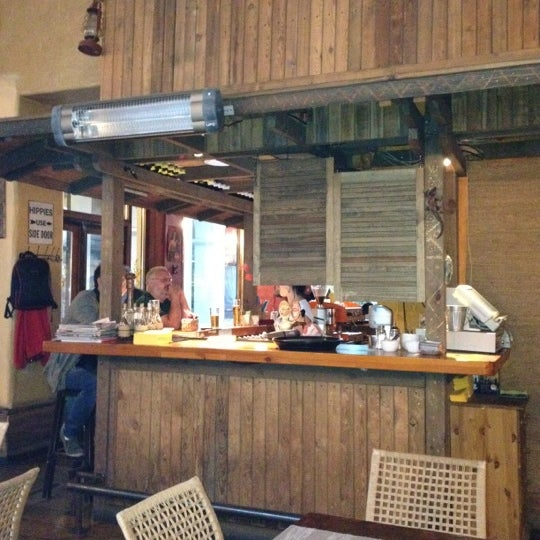 Photo taken at Iguāna by Кабан on 8/21/2012