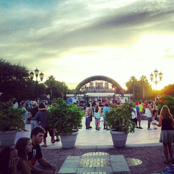 Photo taken at River Front Park by Julio L. on 8/18/2012