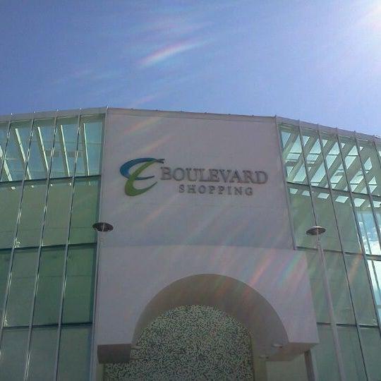 Foto tirada no(a) Boulevard Shopping Campos por Leonardo C. em 6/3/2012