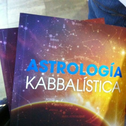 Foto tomada en Centro de Kabbalah, Librería Polanco por Miriam Gpe G. el 7/6/2012