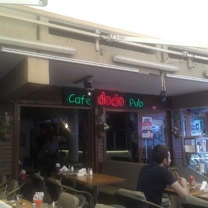 8/1/2012 tarihinde Tayfun İ.ziyaretçi tarafından Dodo Cafe & Pub'de çekilen fotoğraf