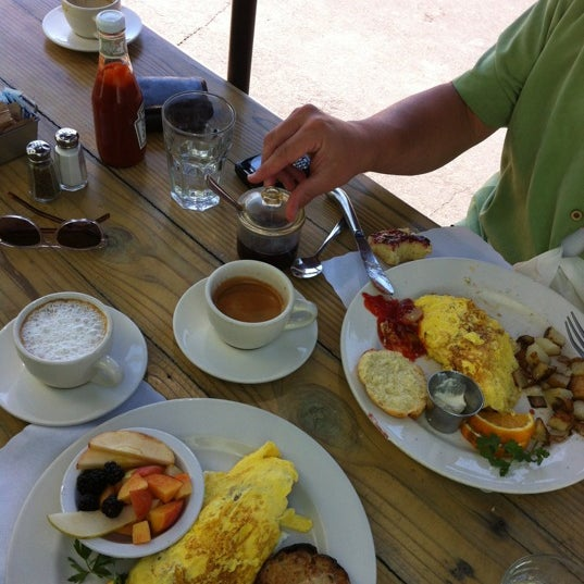 Photo taken at New Morning Cafe by Katrin on 6/8/2012