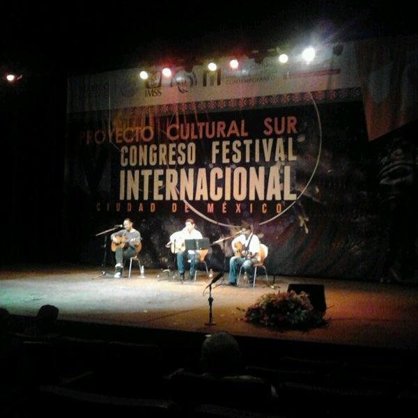 Foto tomada en Teatro Hidalgo por Yorch L. el 10/23/2014