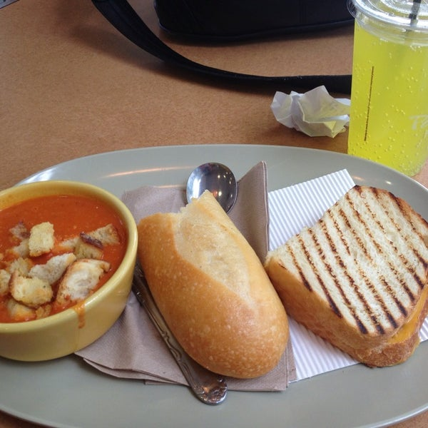 Photo taken at Panera Bread by Vanjalic T. on 8/13/2013