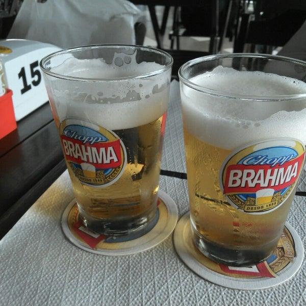 Foto tirada no(a) Brasil Burger por Helena Z. em 5/2/2014