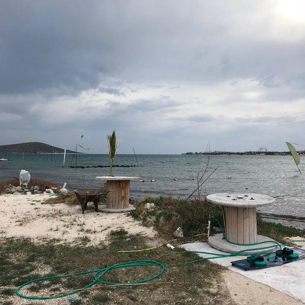 Foto scattata a Orsa Sörf Okulu da Orhun 🐐💨 il 11/13/2017