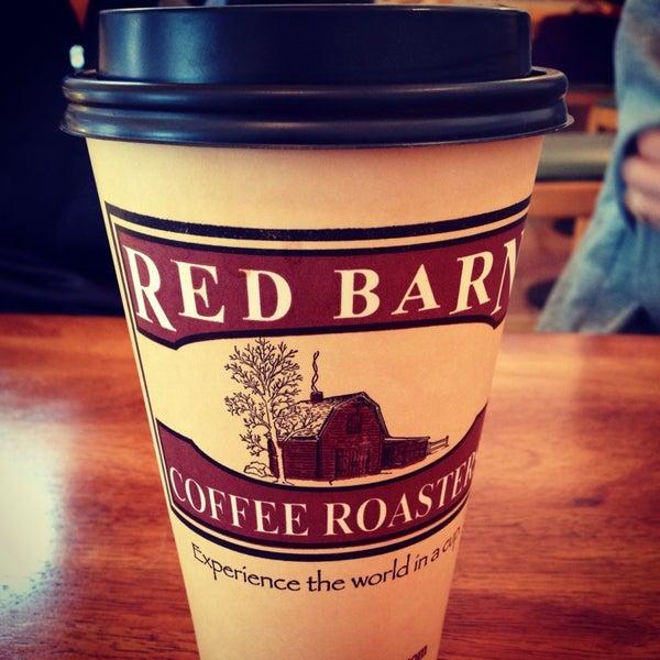 Foto tirada no(a) Red Barn Coffee At Angel's Cafe por Erica N. em 1/3/2014