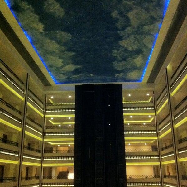 3/10/2013 tarihinde Dmitri B.ziyaretçi tarafından Utopia World Hotel'de çekilen fotoğraf