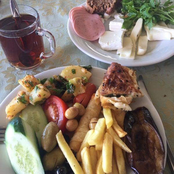 5/21/2017에 Gizem A.님이 Ünlüselek Hotel에서 찍은 사진