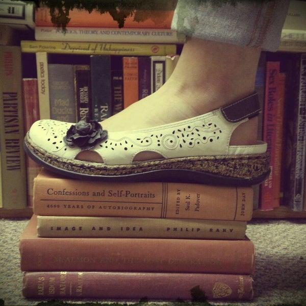 Heel To Toe Shoes Urbana Il >> Heel To Toe Shoe Store In Urbana