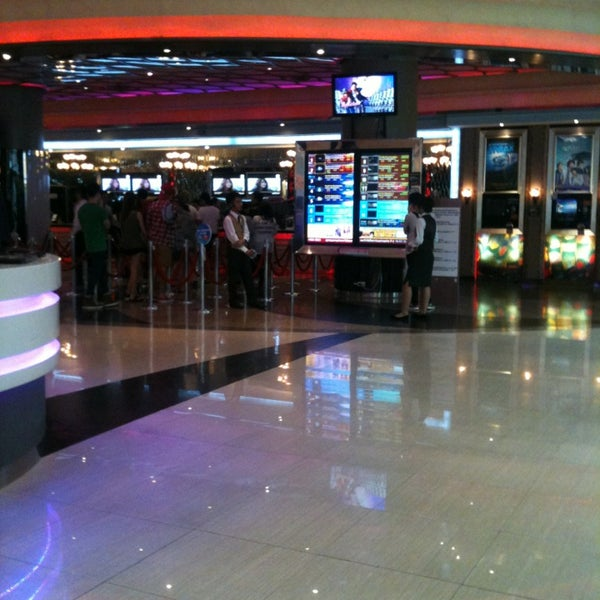 Photo taken at Major Cineplex Ratchayothin by BnZ D. on 5/14/2013