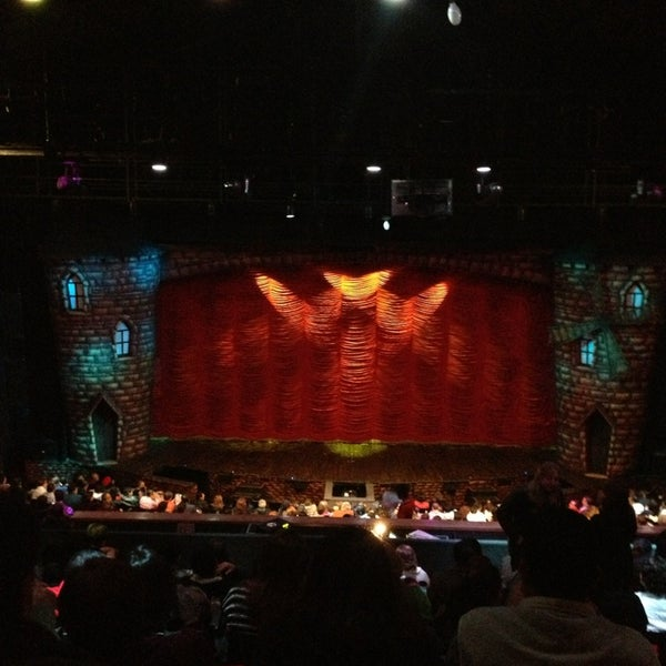 Foto tirada no(a) Teatro Aldama por Jose Luis R. em 12/22/2012