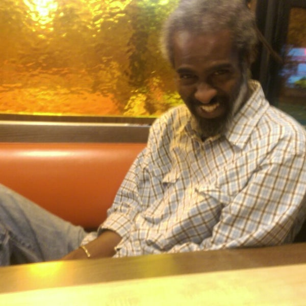 Photo taken at Waffle House by Sunny on 8/2/2014
