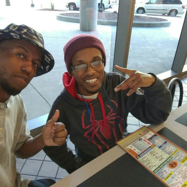 Photo taken at Waffle House by Sunny on 5/14/2016