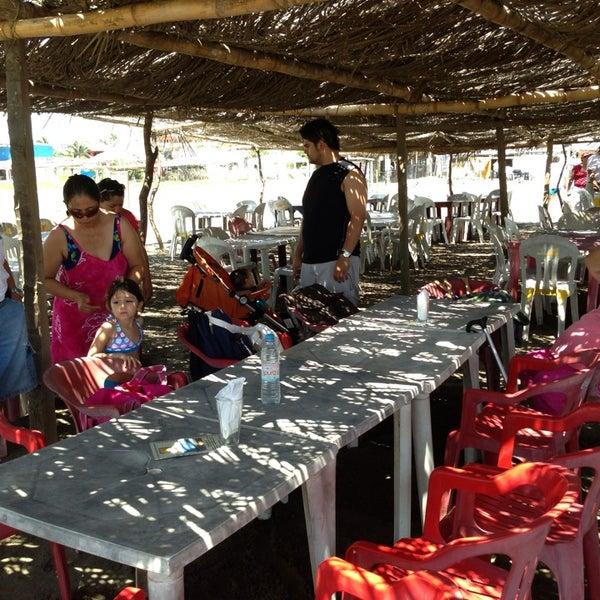 7/11/2013에 Isaias H.님이 Playa Chachalacas에서 찍은 사진