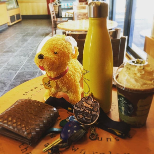 Photo taken at Starbucks by pom527 on 7/31/2016