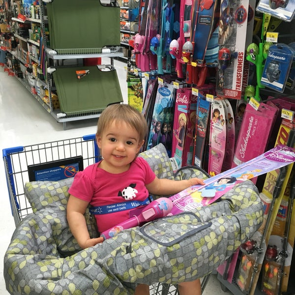 Photo taken at Walmart Supercenter by Jason d. on 9/19/2016