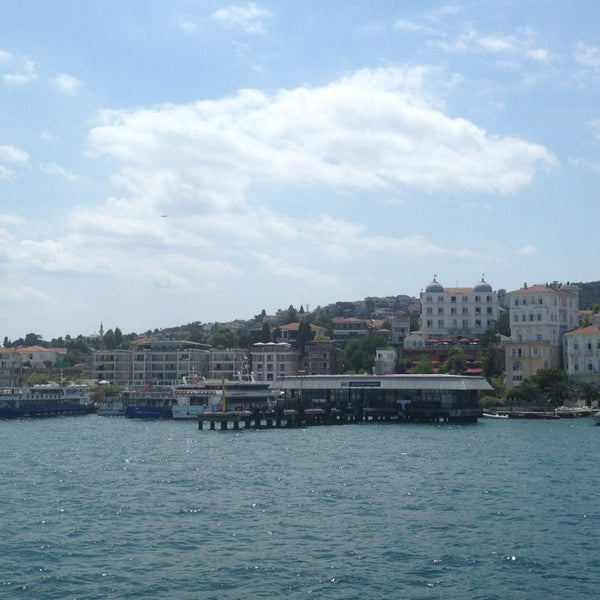 Photo taken at Büyükada Mavi Marmara Motor İskelesi by Sibel T. on 7/20/2013