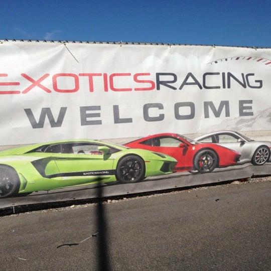 Foto tirada no(a) Exotics Racing por Bobby K. em 10/13/2012