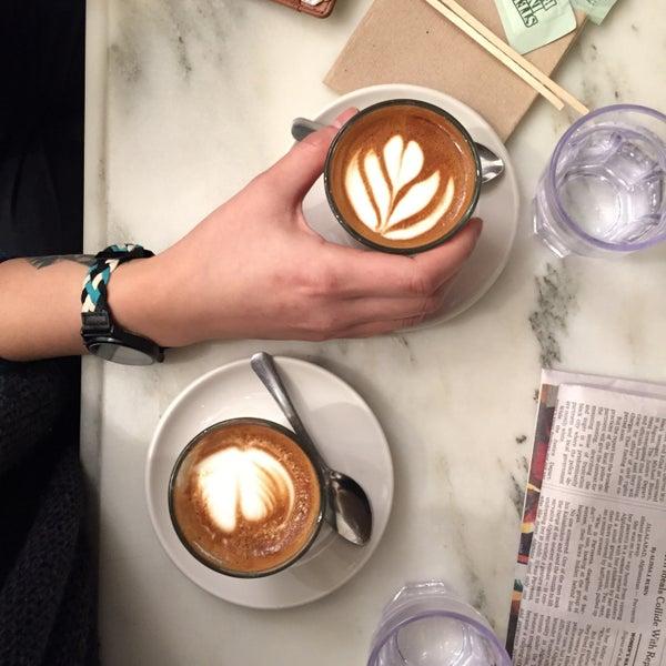 Foto scattata a Toby's Estate Coffee da Nicole A. il 3/3/2015