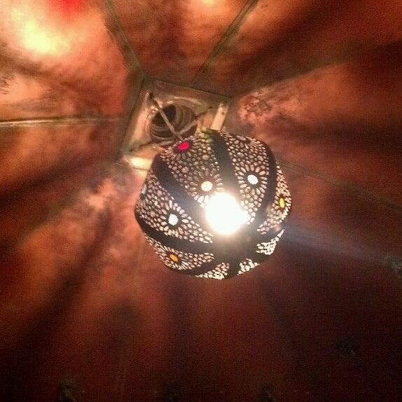 Снимок сделан в Кофейня «Кардамон» и лавка «Коллекция Пустяков» пользователем Глеб М. 4/18/2013