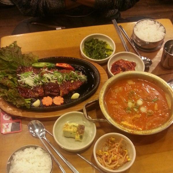 12/17/2013에 HyeWon C.님이 김북순 큰남비집에서 찍은 사진
