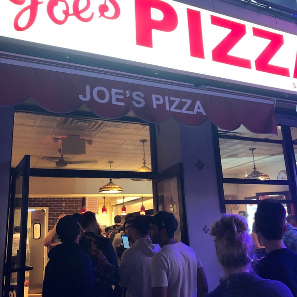 Foto tomada en Joe's Pizza por Tanya H. el 5/24/2018