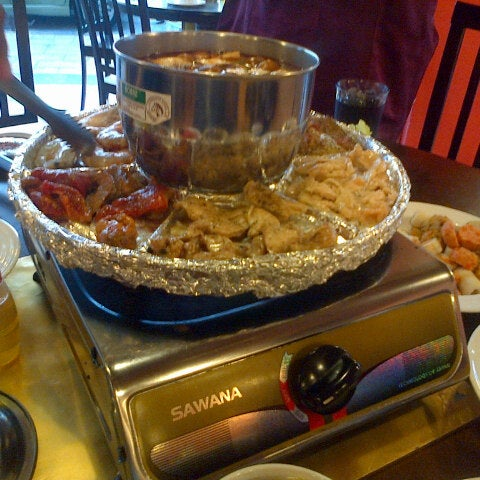 Photo taken at Mak Engku Steamboat & Grill by Muhd Nur S. on 7/26/2013