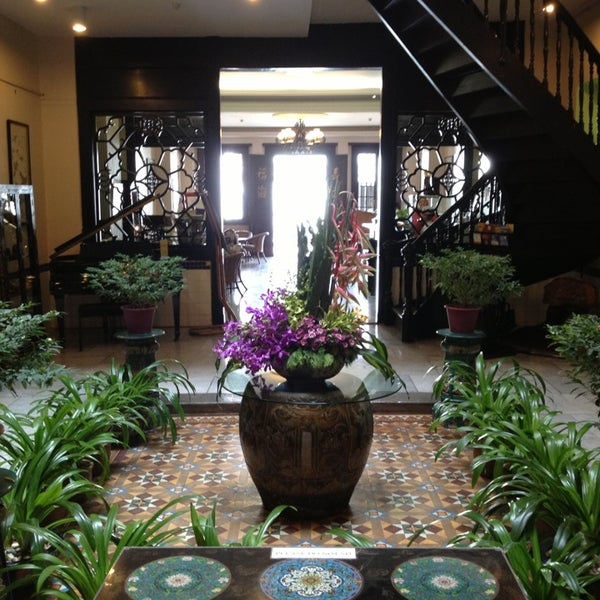 Photo taken at Hotel Puri by Carmen C. on 5/27/2013