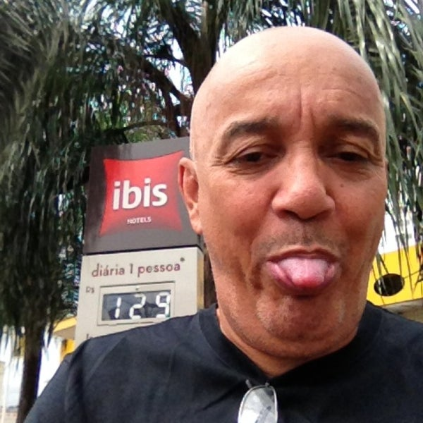 Photo taken at ibis São Carlos by Renato O. on 3/17/2013