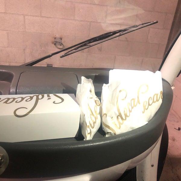 Photo prise au Sidecar Doughnuts & Coffee par Eli A. le9/9/2018