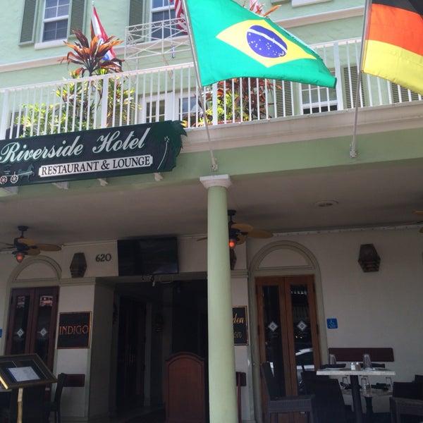 Ótimo!! Super bem localizado, Qto confortável e brasileiros são bem vindos!!🇧🇷 A rua Las Olas é super badalada, com lojas, restaurantes, faz tudo a pé!😉