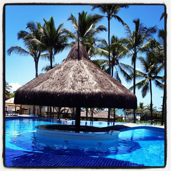 A piscina nova é linda e ótima para relaxar