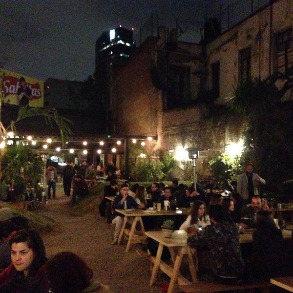 Jard n chapultepec bar al aire libre en ciudad de mexico for Jardin jardin al aire libre