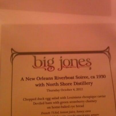 รูปภาพถ่ายที่ Big Jones โดย Brian R. เมื่อ 10/4/2012