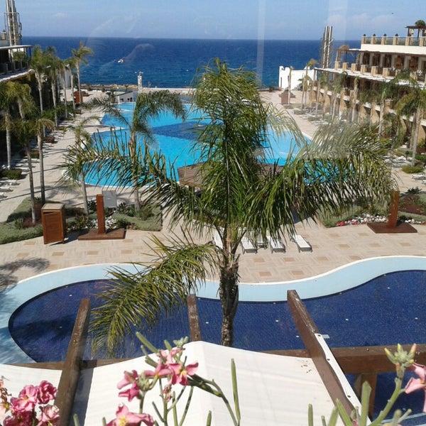 Foto scattata a Cratos Premium Hotel & Casino da Mali il 3/28/2013