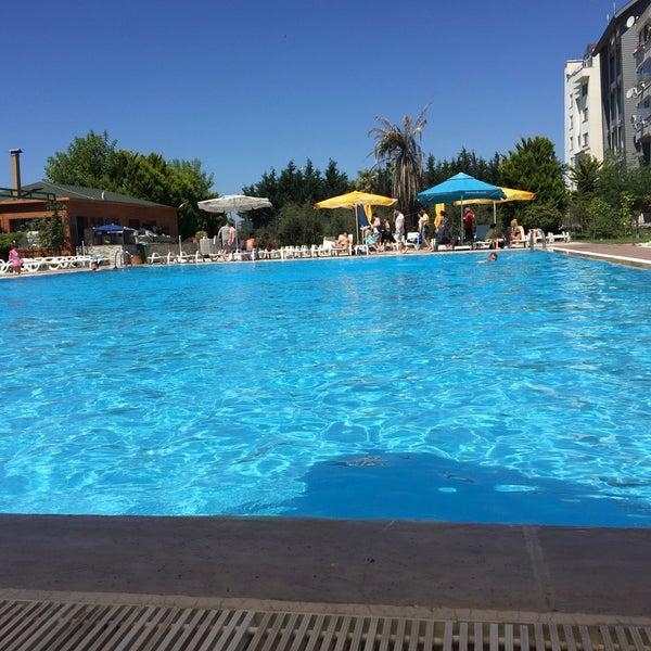 6/26/2017 tarihinde Ertan T.ziyaretçi tarafından Pelikan Otel'de çekilen fotoğraf