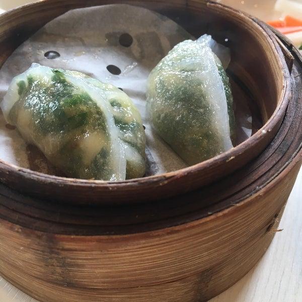Photo taken at Crystal Jade Kitchen 翡翠小厨 by Anne L. on 1/3/2016