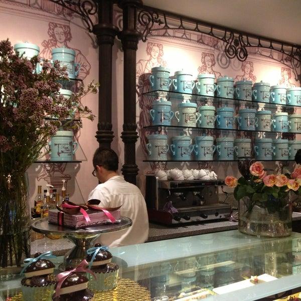 Foto tomada en Maison Paulette Café por Anita L. el 5/10/2013