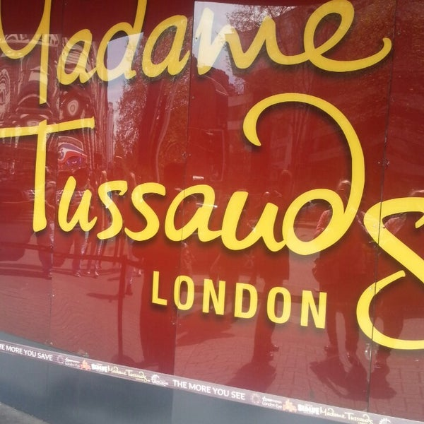 Photo taken at Madame Tussauds by Sophie G. on 5/12/2013