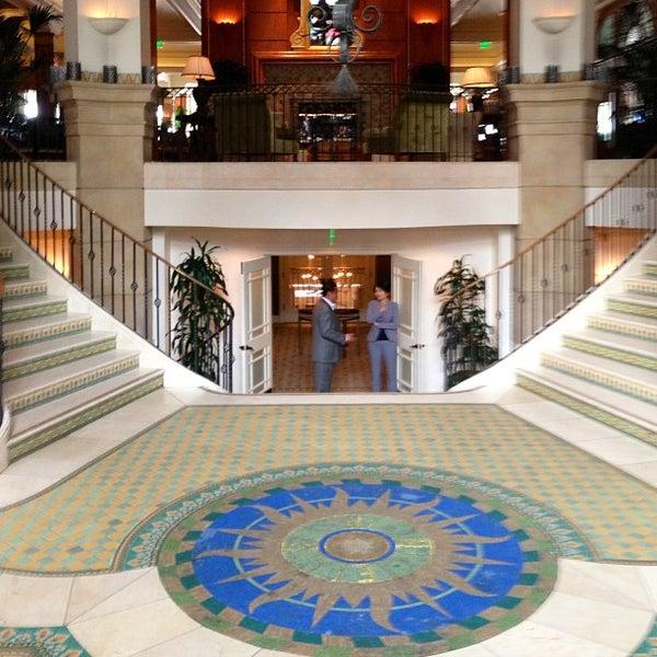 รูปภาพถ่ายที่ Casa Del Mar Hotel โดย David D. เมื่อ 6/30/2013