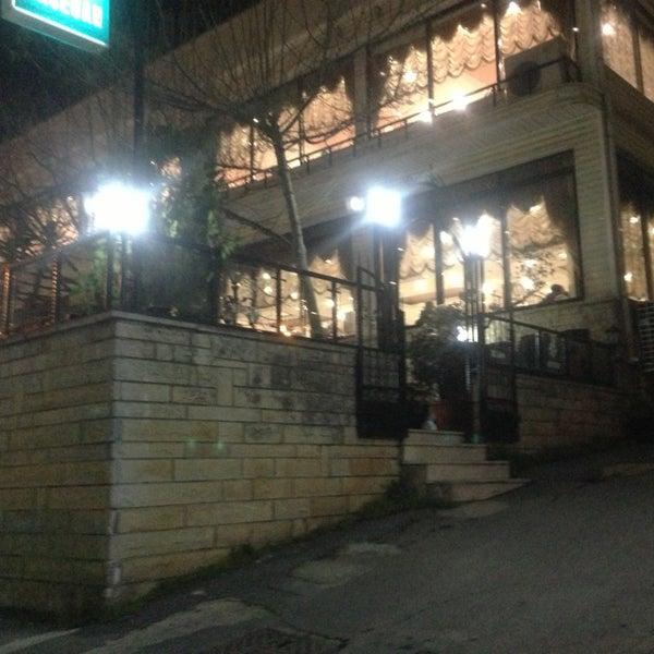 3/23/2013 tarihinde Rüveyda S.ziyaretçi tarafından Hacegan Restaurant'de çekilen fotoğraf