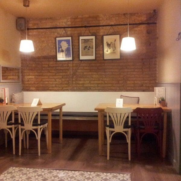 Foto tomada en Cafè el Trifàssic por Ricard M. el 2/19/2014